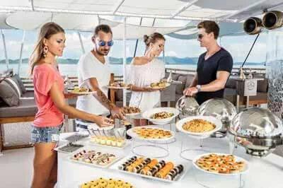 Bosphorus Lunch Cruise on Private Yacht